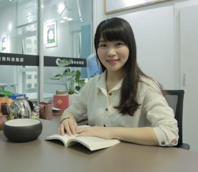 日语VIP学院院长。5年日语教学经验,组织并参与各种教研会议及讲师培训。从业多年,结合各种教材总结了属于自己的教学体系,擅长日语基础语法讲解及听力课程讲解。