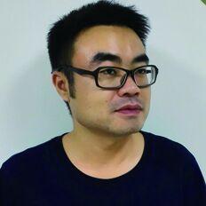 """中国注册高级建筑室内设计师  编号:ZB20701844   国家二级心理咨询师                         教学风格以严厉著称,业内称之""""魔鬼教头""""。独创魔鬼空间设计特训法。强化学员原创设计思维,组对组PK战,头脑风暴等等。        2011年创立广言堂空间设计事务所   公司创意总监兼项目运营负责人                     香港方平米设计有限公司执行顾问          十年从业经验,先后多次参与知名地产公司样板房精装工程设计及大型商业综合体精装室内设计及地产项目策划。曾在香港、新加坡、日本、欧洲等地考察学习,具有丰富的实战经验及阅历。              代表作品:环球奥特莱斯商业街、龙湖别墅样板、奥莱会所中心、青竹湖生态公园规划等。"""
